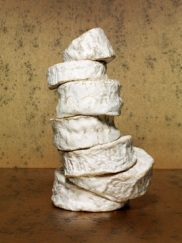 Povera. Chaource sur camembert sur chaource sur chaource sur brillat-savarin, sur brillat-savarin, sur brillat-savarin. (c) Jean-Jacques Pallot