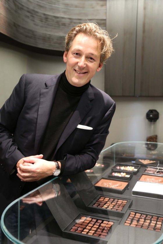 Pierre Marcolini dans sa boutique de la rue Scribe. (c) Sarah Vasseghi